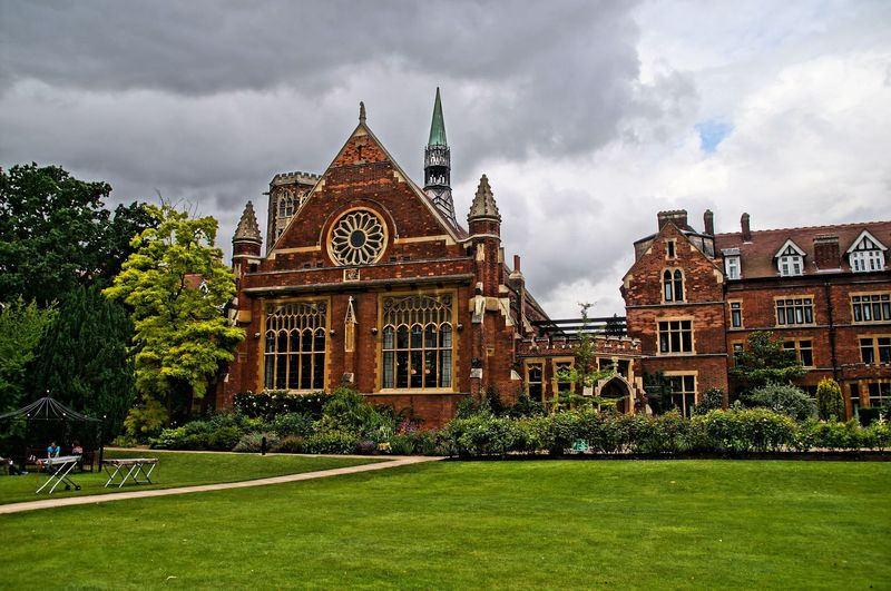 Top 10 of the oldest universities that teach students today